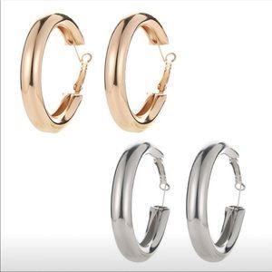 Thick tube round hoop earrings NWT
